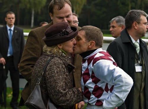 Kiss with jockey Josef Vana 2009