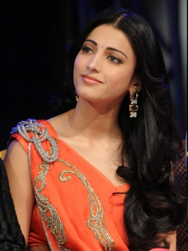 LOvely shruti