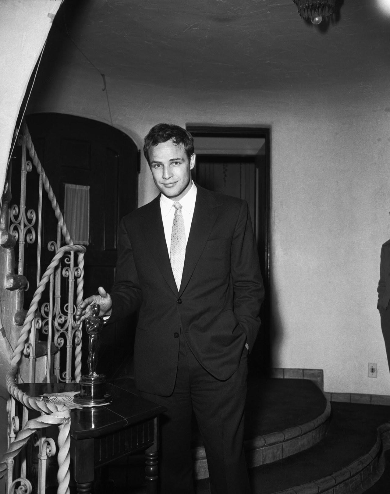 Fabulous Marlon Brando 1280 x 1621 · 284 kB · jpeg