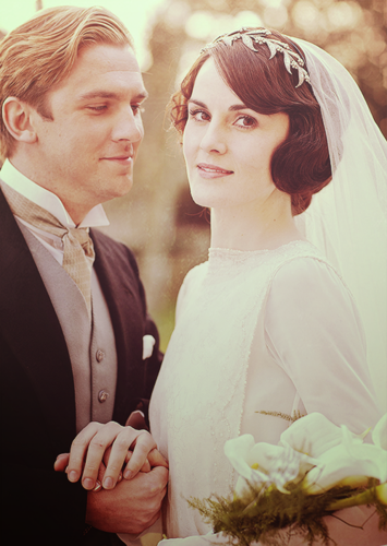 Downton Abbey Обои containing a bridesmaid and a bouquet titled Mary & Matthew's Wedding