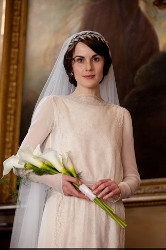 Downton Abbey kertas dinding probably containing a bouquet titled Mary and Matthew Crawley Wedding