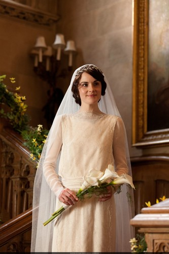 Downton Abbey wallpaper probably with a kirtle entitled Mary and Matthew Crawley Wedding