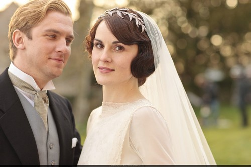 Downton Abbey wallpaper probably with a business suit called Mary and Matthew Crawley Wedding
