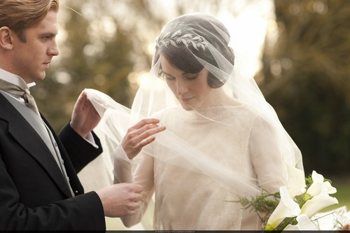 Downton Abbey kertas dinding entitled Mary and Matthew Crawley Wedding