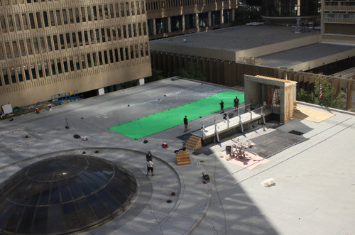 New fotos of the Catching fuego Set on the Roof of the Marriott Marquis