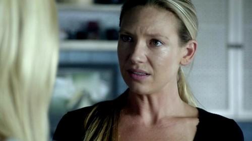 Olivia Dunhan Fringe 5x01