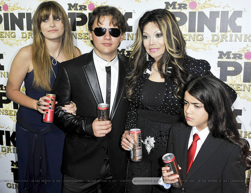 Paris Jackson, Prince Jackson, Latoya Jackson and Blanket Jackson at Mr পরাকাষ্ঠা Drink Launch Party