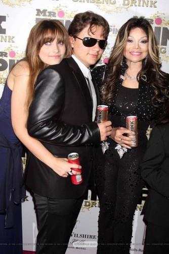 Paris Jackson, Prince Jackson and Latoya Jackson at Mr পরাকাষ্ঠা Drink Launch Party ♥♥