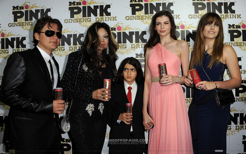 Prince Jackson, Latoya Jackson, Blanket Jackson, ? And Paris Jackson at Mr kulay-rosas Drink Launch Party
