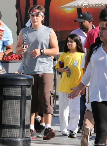 Prince Jackson and his brother Blanket Jackson ♥♥ NEW October 8th 2012