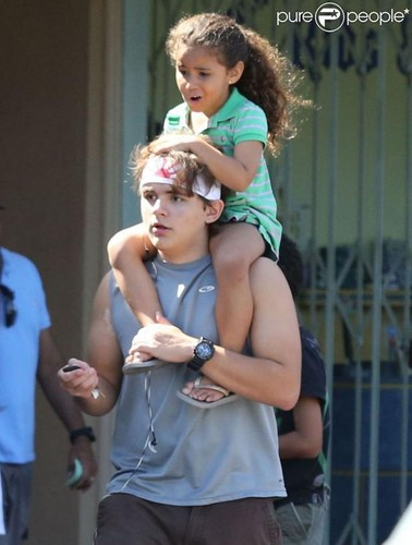 Prince Jackson and his cousin DeeDee ♥♥ NEW October 8th 2012