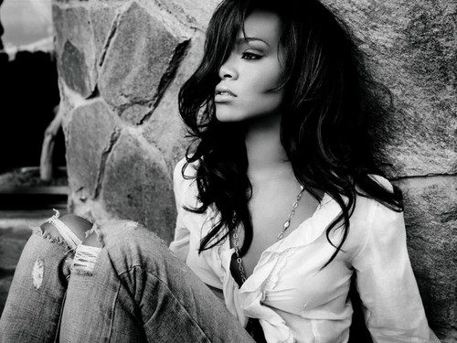 Rihanna wallpaper probably containing a portrait entitled Rihanna