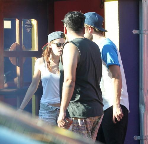 Robert Pattinson & Kristen Stewart wallpaper with a chainlink fence and sunglasses called Rob & Kristen [Oct 15]