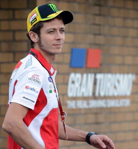 Valentino (Motegi 2012)