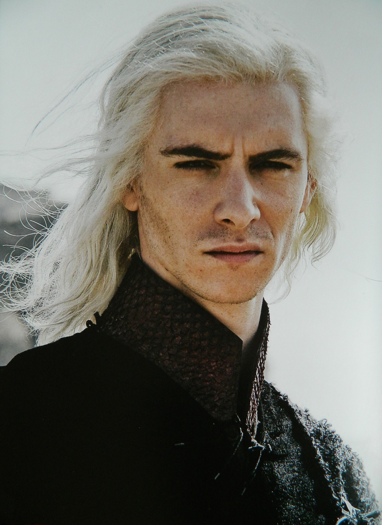 http://images6.fanpop.com/image/photos/32400000/Viserys-Targaryen-game-of-thrones-32430941-1280-1757.jpg