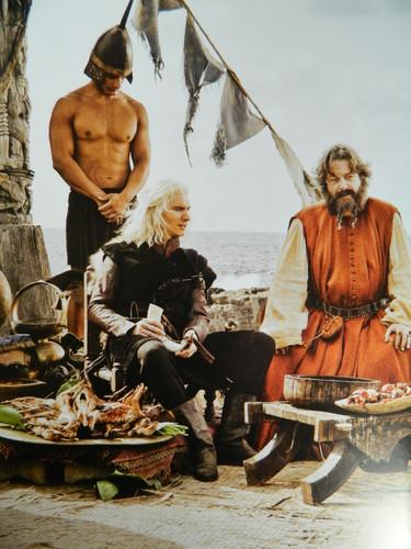 Viserys Targaryen & Illyrio Mopatis