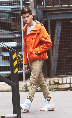 Zayn Malik fond d'écran entitled Zayn today (10-11-12)