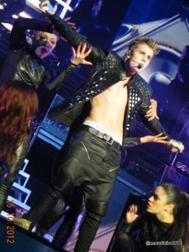 justin bieber believe tour , Edmonton, 2012