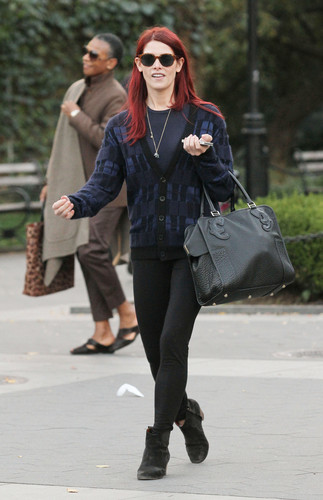 October 20 - Having Lunch with Some Friends in NYC - ashley-greene Photo