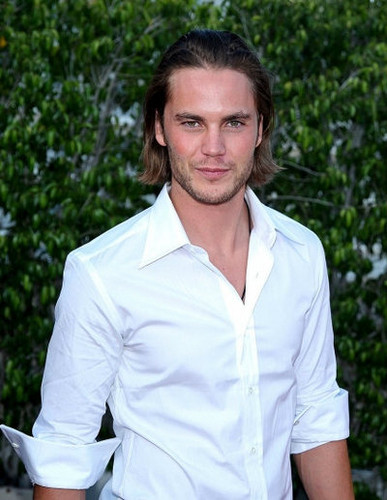 Taylor Kitsch wallpaper probably containing a portrait titled ♥♥ Taylor Kitsch ♥♥