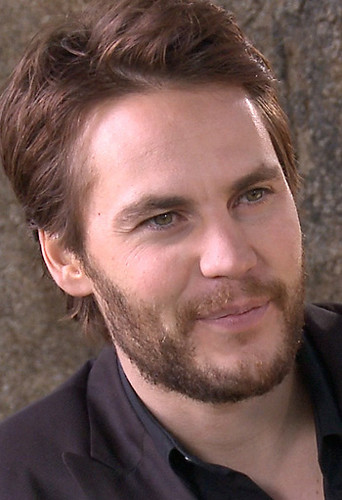 Taylor Kitsch Hintergrund probably containing a business suit called ♥♥ Taylor Kitsch ♥♥