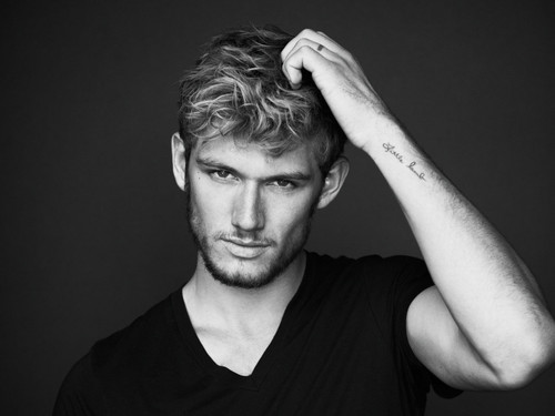 Alex Pettyfer wallpaper entitled *_*