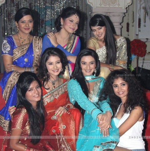 -zee-tv-actresses-on-zee-tv-20-years-celeberations