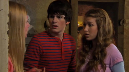 The House of Anubis wallpaper titled Amber, Fabian, and Nina
