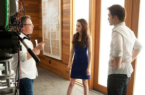 BD part 2 BTS-Kristen,Robert and director Bill Condon