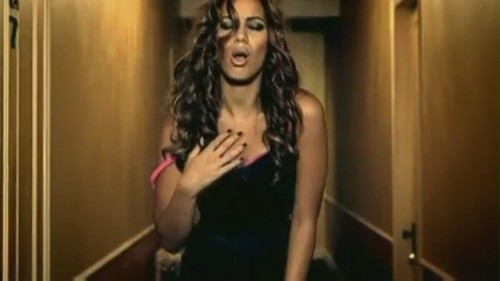 Bleeding Love [Music Video]
