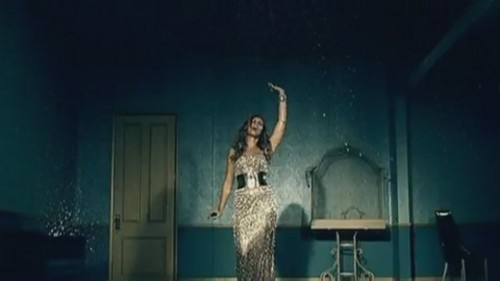 Bleeding 사랑 [Music Video]