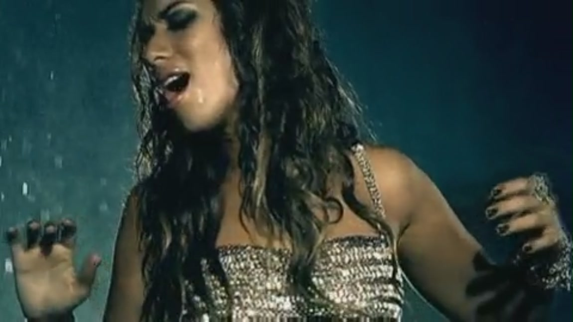 Leona Lewis Bleeding Love [Music Video]