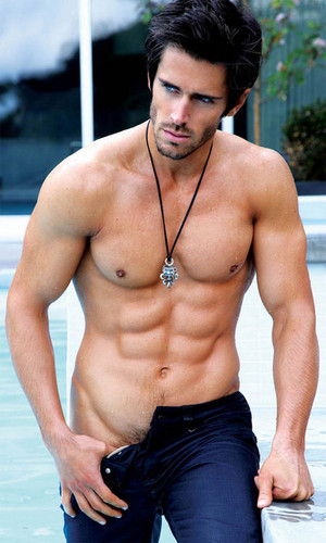 acteurs les plus canons fond d'écran probably with a gros morceau, hunk called Brandon Beemer!