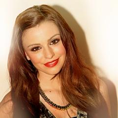 Cher<33