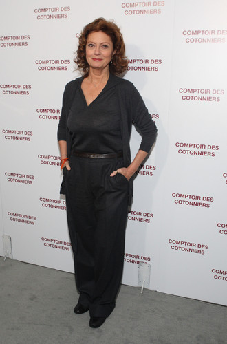 Comptoir Des Cotonniers Store Opening 2008