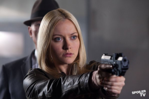 Fringe - Episode 5.04 - The Bullet That Saved The World - Promotional 照片