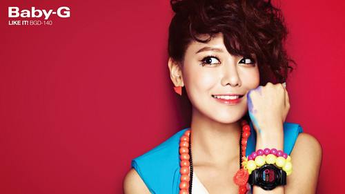 """Girls' Generation Sooyoung """"Casio's Baby G"""""""