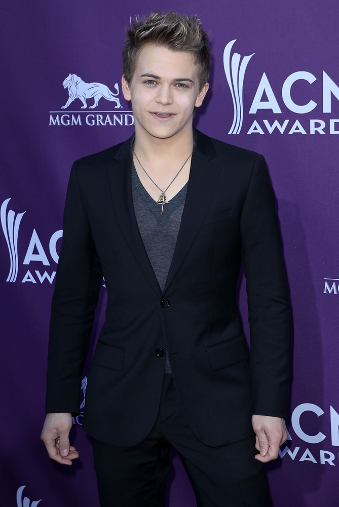 who is hunter hayes dating 2012