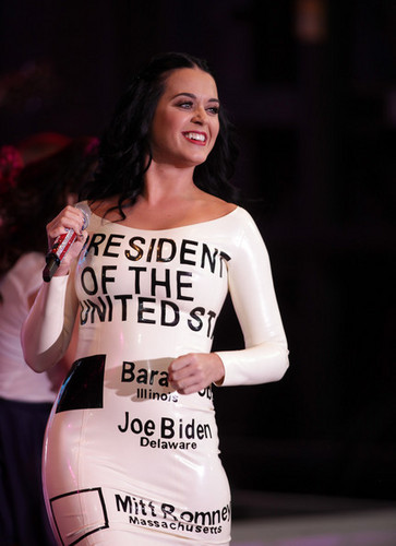 Katy Perry performs - campaign rally for Barack Obama, 24 oct 2012