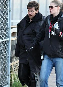 """noong unang panahon wolpeyper containing a chainlink fence called Killian """"Hook"""" Jones on Set 26 October 2012"""