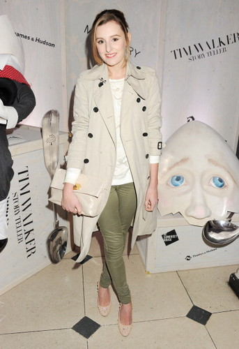 Laura at the Tim Walker Story Teller: Supported sejak Mulberry
