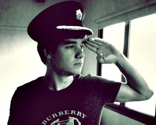 Liam Wallpaper♥