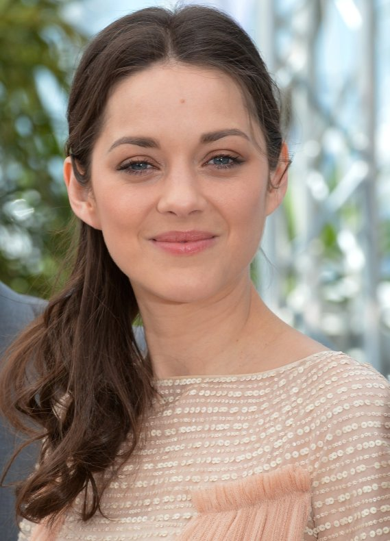 http://images6.fanpop.com/image/photos/32500000/MC-2012-marion-cotillard-32532558-569-790.jpg