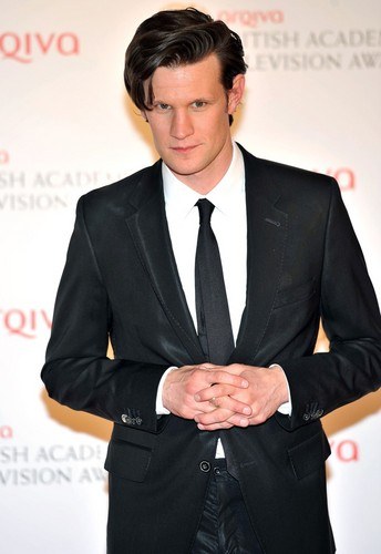 Matt Smith 壁纸 containing a business suit, a suit, and a double breasted suit titled Matt <3