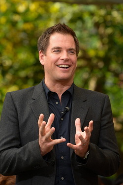 "Michael Weatherly @ ""Extra"""