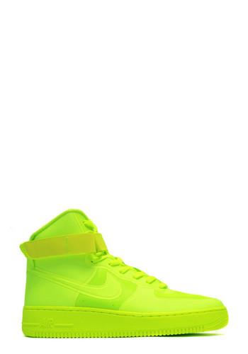 Neon Nike Shoes!!!!! =O