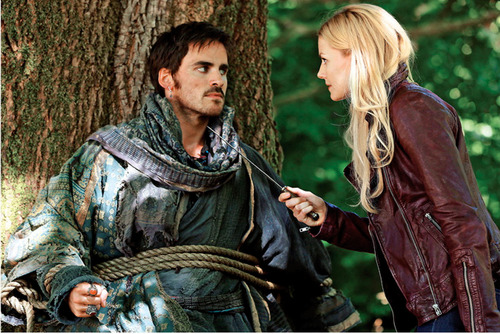 "New Emma/Hook episode still from 2.05""The Doctor"""