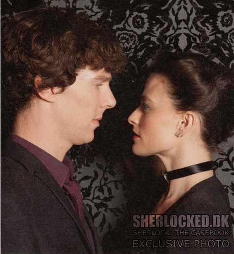 Sherlock in der BBC Hintergrund probably containing a portrait entitled New S2 Promo!!