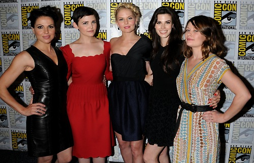 Once Upon A Time Cast (I cinta their friendship)