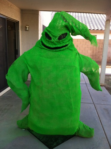 Oogie Boogie for हैलोवीन display